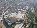 Vista aérea de los dos recintos amurallados después de la restauración