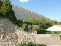 Tramo de muralla entre las puertas de Las Cuevas y Santiago. Después de su restauración