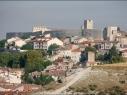 Vista del conjunto histórico desde Castilviejo. Estado después de la restauración de las murallas.
