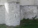 Barbacana o contramuralla del castillo. Vista desde el exterior.