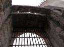 Rastrillo que cerraba la liza del castillo junto a la puerta de acceso del lado Norte.